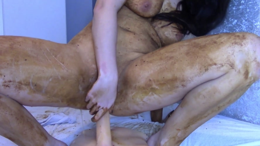 Legging Crackling Shit And Smear - FullHD 1920x1080 - With Actress: evamarie88  [1.23 GB] (2018)