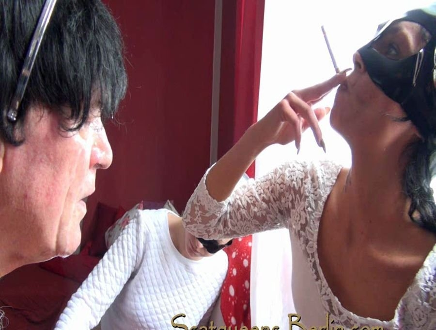 Scatqueens have fun with a Human Toilet P1 - SD Windows Media Video WMV3 720x576 25.000 FPS 2907 kb/s - With Actress: Scat Cats, Domi, Kimi, Lucy, Hanna [330 MB] (2018)