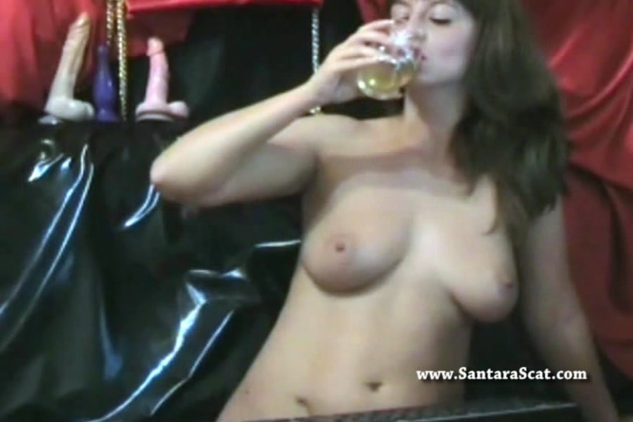 Drinking My Pee During a Live Show - SD AVI Video 720x480 25.000 FPS 1640 kb/s - With Actress: Santara [42.3 MB] (2018)