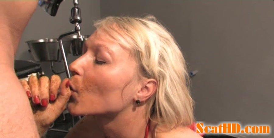 FRIEDA: Sexy scat porn