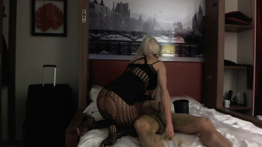 Exxxtreme Scat Pig in Paris Part 1 - FullHD 1920x1080 - With Actress: Marlinda Branco [639 MB] (2019)