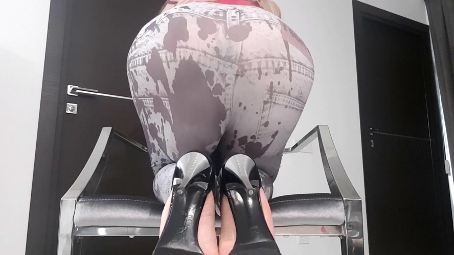 Huge Bulge In Tights - FullHD 1920x1080 - With Actress: thefartbabes [1.07 GB] (2019)