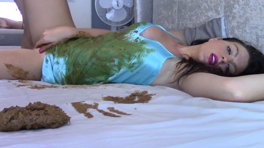 Cream And Shit On Bed - FullHD 1920x1080 - With Actress: Evamarie88 [632 MB] (2020)