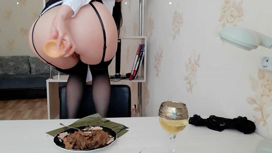 The day of shitty secretary. Lunch.(Part 2) - FullHD 1920x1080 - With Actress: ScatLina  [1.46 GB] (2020)