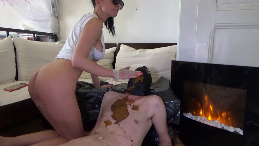 Poop on slave after morning coffee - FullHD 1920x1080 - With Actress: Lila  [1.36 GB] (2020)