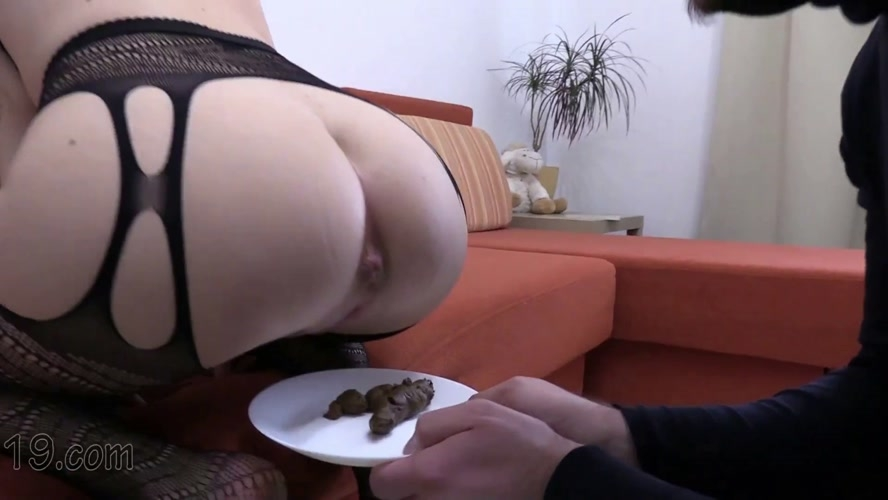 21-year-old Milana dances and pooping close-ups - FullHD 1920x1080 - With Actress: MilanaSmelly [5.20 GB] (2020)