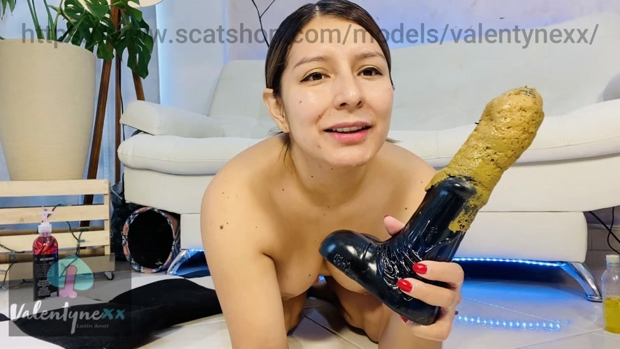 Licking my horse toy - FullHD 1920x1080 - With Actress: Valentynexx  [618 MB] (2020)